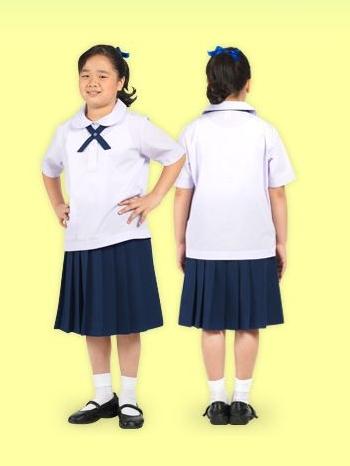เสื้อนักเรียนหญิง ตราสมอ คอบัว ผ่าตลอด กระเป๋าบน ติดหูบ่า
