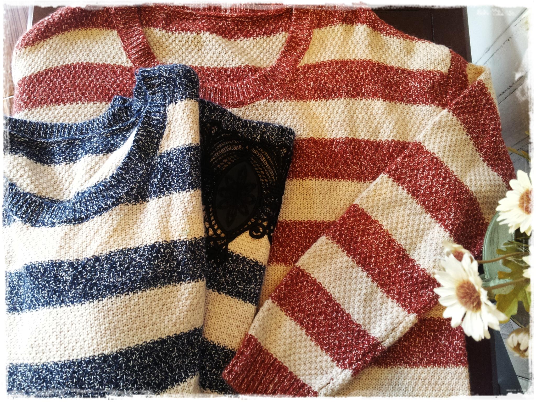 เสื้อไหมพรมกันหนาว สไตล์ญี่ปุ่น ลายริ้ว สีแดง แต่งชายลูกไม้สีดำ