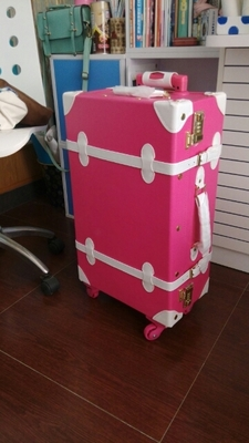 รีวิว กระเป๋าเดินทางล้อลากสไตล์วินเทจ สีชมพู