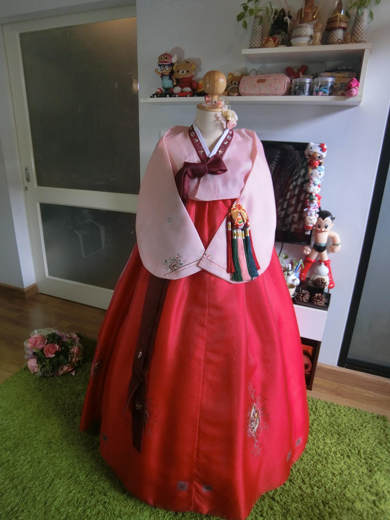 """Hanbok สีโอโรสปักมือคลาสสิค ปักมือ อก 36"""" สูง 160"""