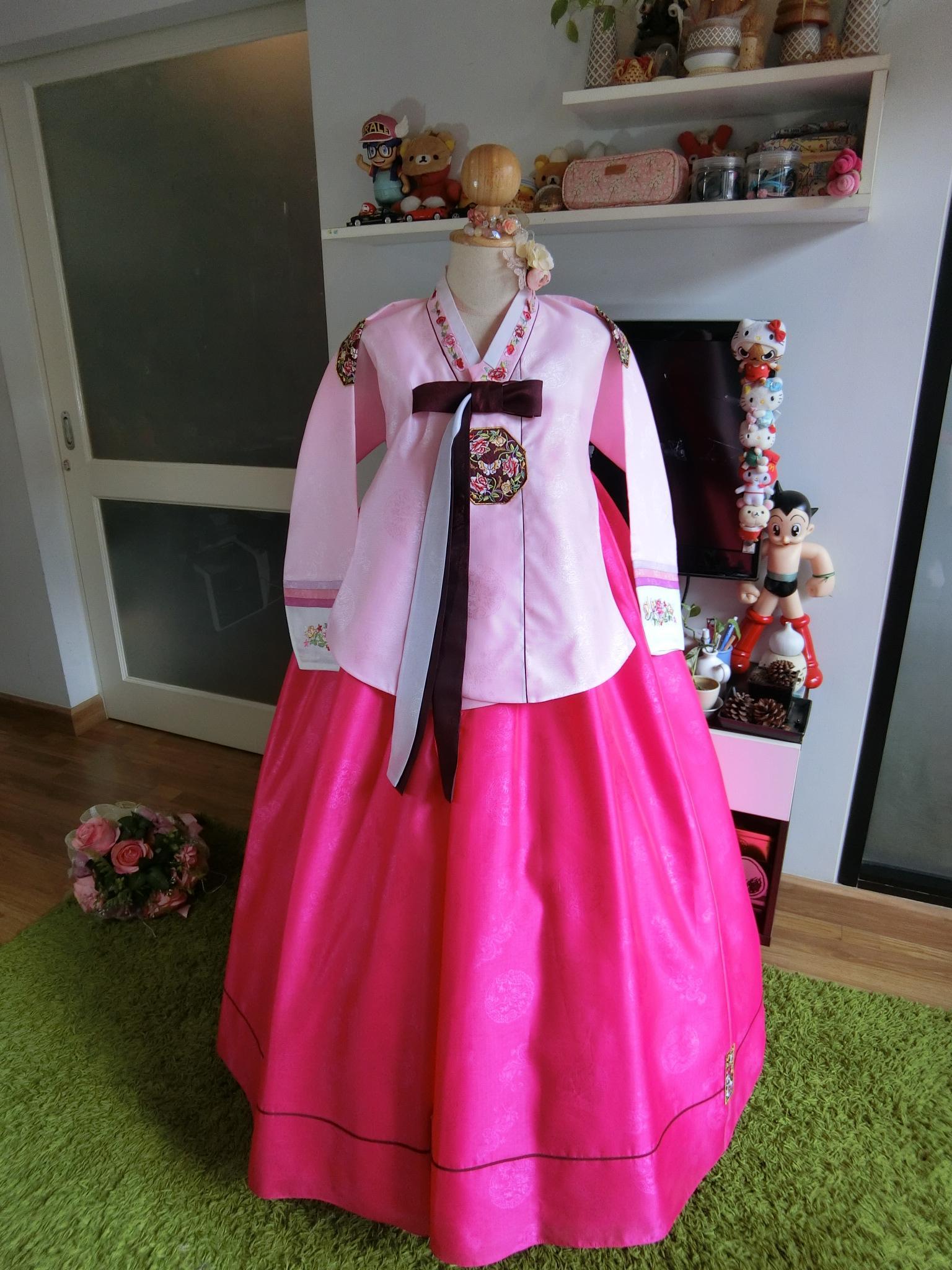 "Hanbok เด็ก 13 ขวบ ชาววังพรีเมี่ยม อก 37"" สูง 145"