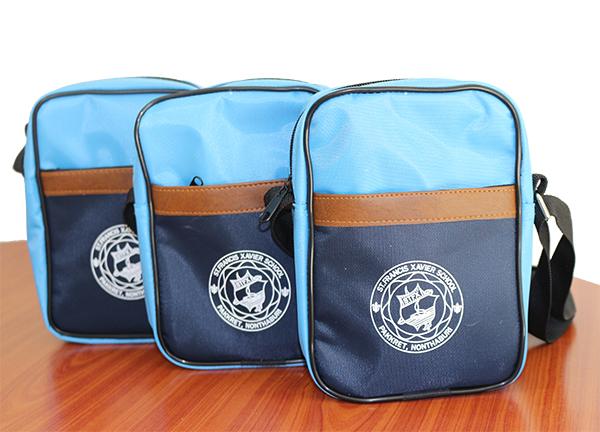 กระเป๋าสะพายโรงเรียนเซนต์ฟรังซีสเซเวีย