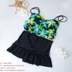 (XL) ชุดว่ายน้ำลายดอก กราฟฟิคสีสรรสดใสช่วยพรางหุ่น ทรงจีบอก สายผูก สองสีให้เลือก