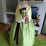 """Hanbok ผ้าไหมพรีเมี่ยม สีเหลืองตัดเขียวใบไม้ อก 34"""" สูง 160"""