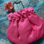 Korean hanbok handbag กระเป๋าถือฮันบกสีชมพู ผ้าไหม