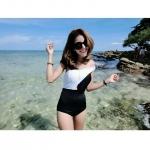 [Size S,M] ชุดว่ายน้ำ วันพีช ปาดไหล่สีขาวดำ