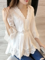 UP6106001 เสื้อผ้าฝ้ายลูกไม้ฉลุสีขาวคอวีตัวยาวแขนห้าส่วนเกาหลีสาวหวาน
