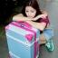 กระเป๋าเดินทางวินเทจ รุ่น colorful เหลืองคาดชมพู ขนาด 22 นิ้ว thumbnail 3