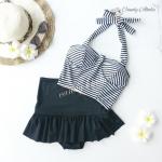 (free size) ชุดว่ายน้ำ ทูพีช ลายริ้วขาว ดำ บราเป็นแบบสวมเต็มตัวไม่โป้ กระโปรงสีดำ