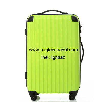กระเป๋าเดินทางล้อลากไฟเบอร์ รุ่น colorful เขียวขอบดำ ขนาด 20/24/28 นิ้ว