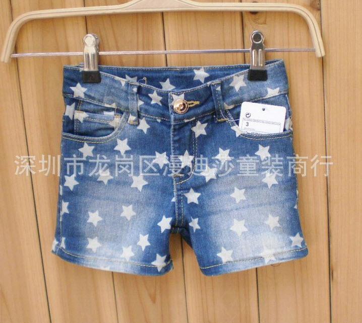 **กางเกงยีนต์ขาสั้นStar   ตามรูป   2,3,4,5,6,8 อายุ1- 6ปีโดยประมาณ   6ตัว/แพ๊ค   เฉลี่ย 165/ตัว
